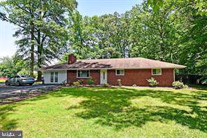 18301 Cabin Road, TRIANGLE, VA 22172 (#VAPW479018) :: Jacobs & Co. Real Estate