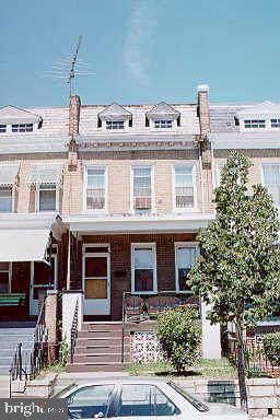 1412 Massachusetts Avenue SE, WASHINGTON, DC 20003 (#DCDC442694) :: Jacobs & Co. Real Estate