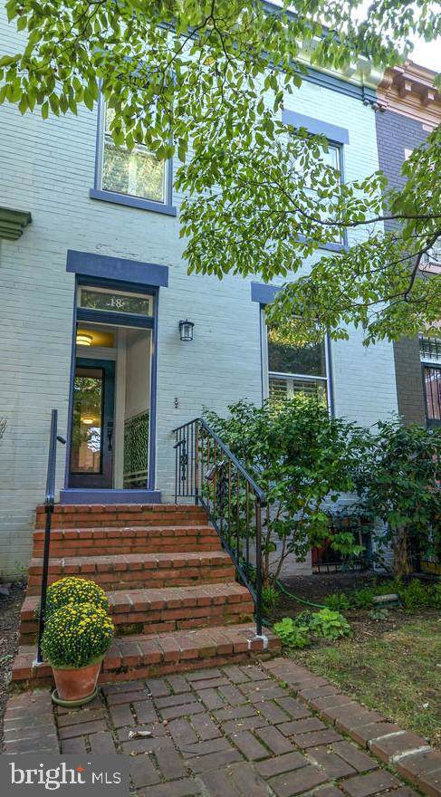 18 14TH Street NE, WASHINGTON, DC 20002 (#DCDC442700) :: The Maryland Group of Long & Foster Real Estate