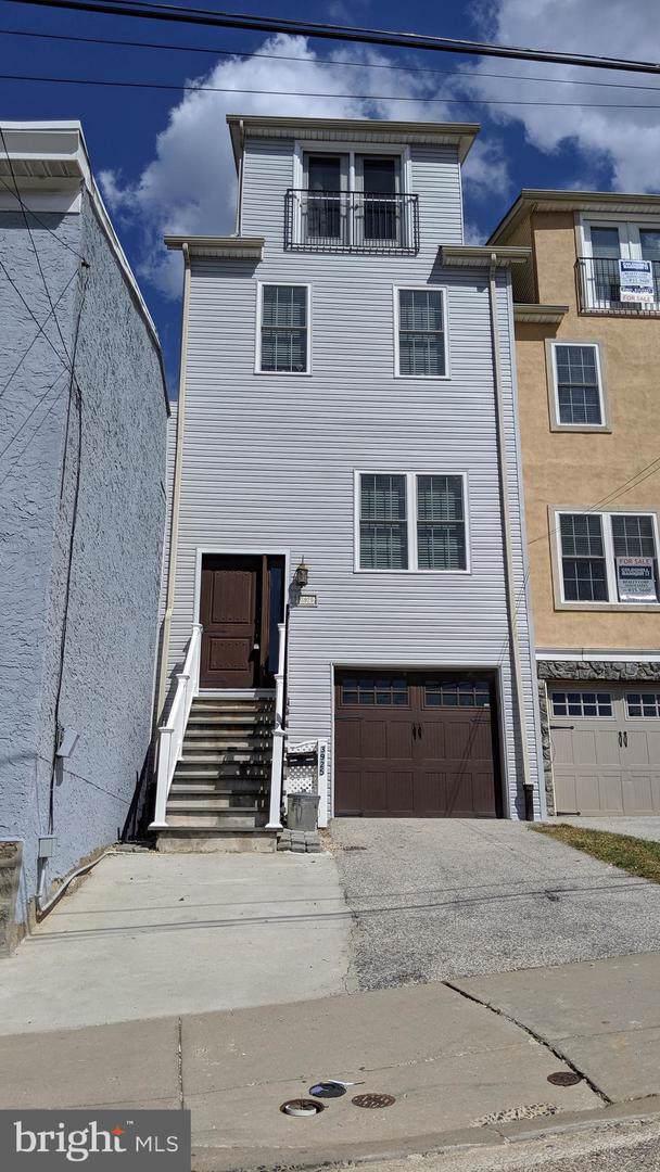 3925 Dexter Street, PHILADELPHIA, PA 19128 (#PAPH834282) :: Colgan Real Estate
