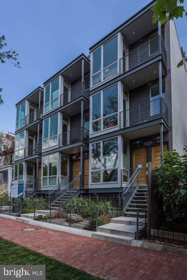 512 L Street NE A, WASHINGTON, DC 20002 (#DCDC443046) :: The Licata Group/Keller Williams Realty