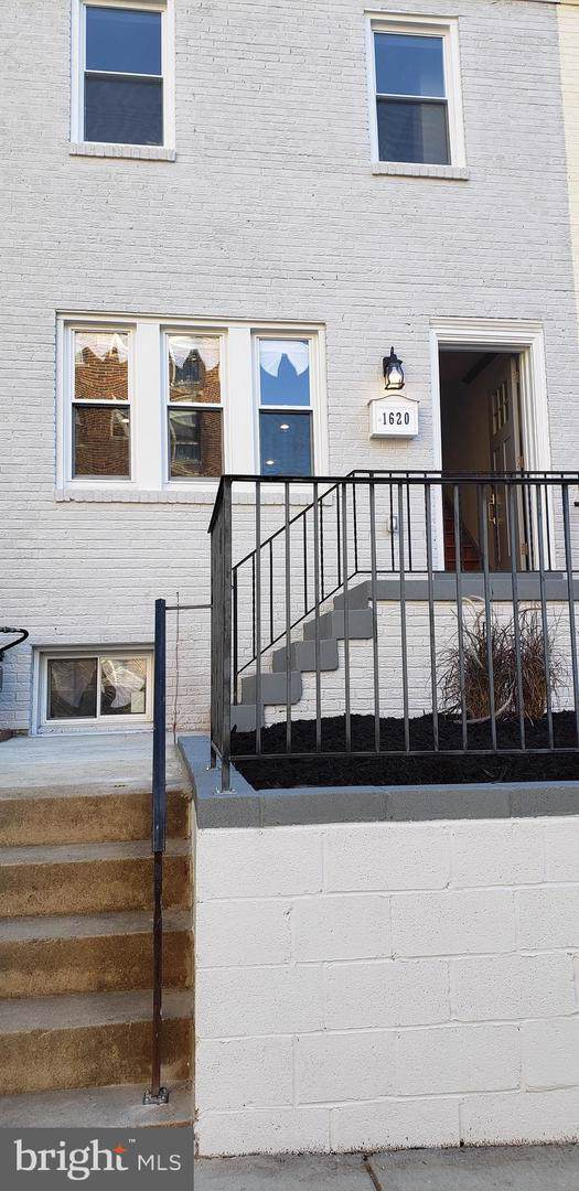 1620 Oak Street NW, WASHINGTON, DC 20010 (#DCDC443174) :: Eng Garcia Grant & Co.