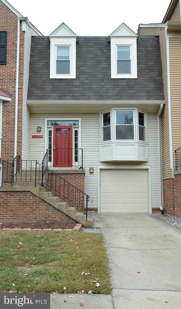 7239 Whitlers Creek Drive, SPRINGFIELD, VA 22152 (#VAFX1091346) :: Tom & Cindy and Associates