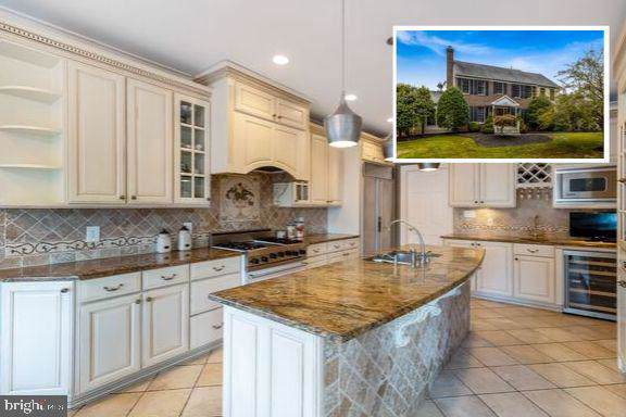 8208 Gallery Court, GAITHERSBURG, MD 20879 (#MDMC681238) :: Revol Real Estate