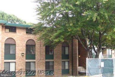 501 N Armistead Street #202, ALEXANDRIA, VA 22312 (#VAAX240368) :: AJ Team Realty
