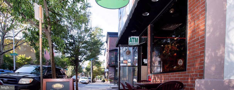 240 22ND Street - Photo 1
