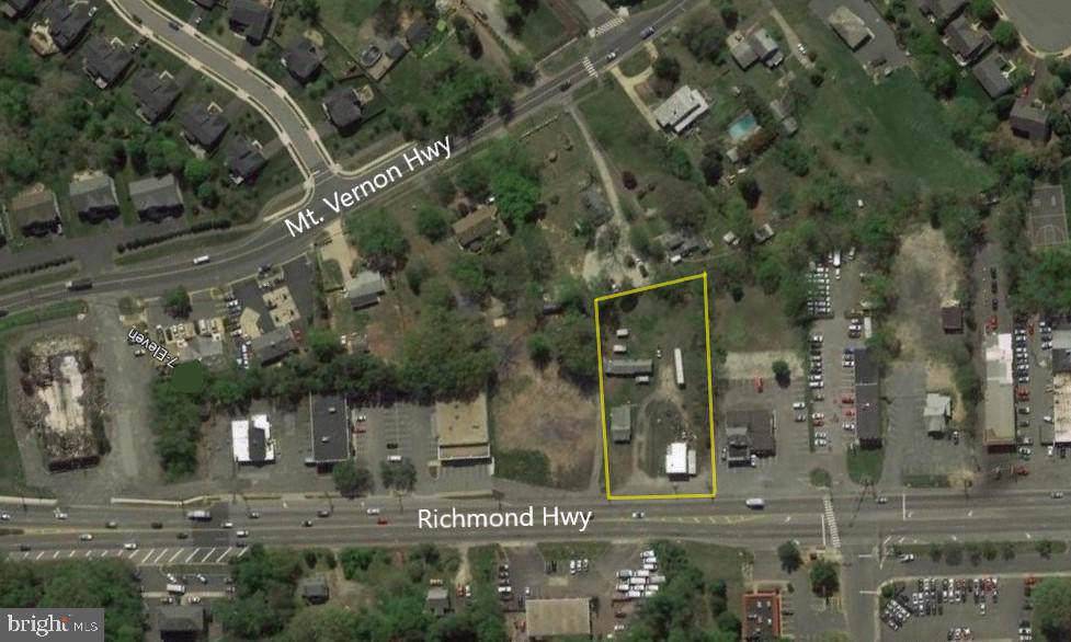 8131-8135 Richmond Highway - Photo 1