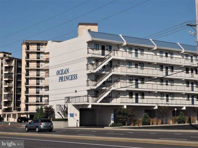 11 134TH Street #310, OCEAN CITY, MD 21842 (#MDWO109782) :: Compass Resort Real Estate