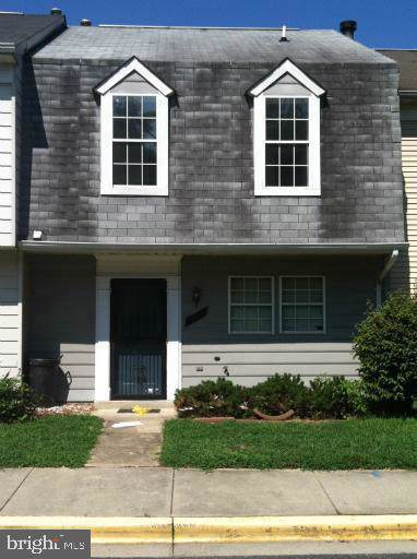 917 Hilldropt Court, CAPITOL HEIGHTS, MD 20743 (#MDPG547282) :: The Vashist Group