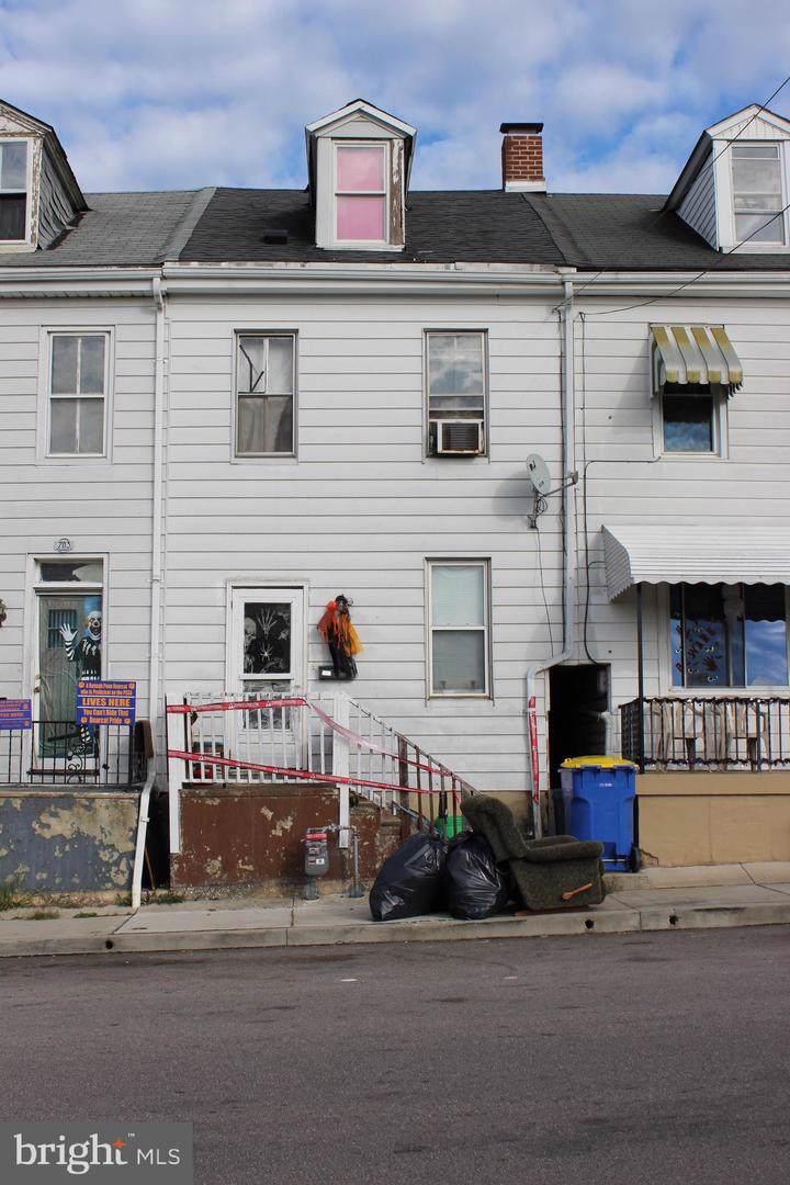 705 Vander Avenue - Photo 1