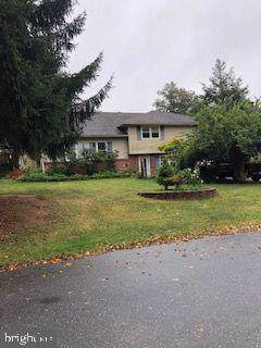 2300 Mayfair Drive, LANCASTER, PA 17603 (#PALA141902) :: The Joy Daniels Real Estate Group