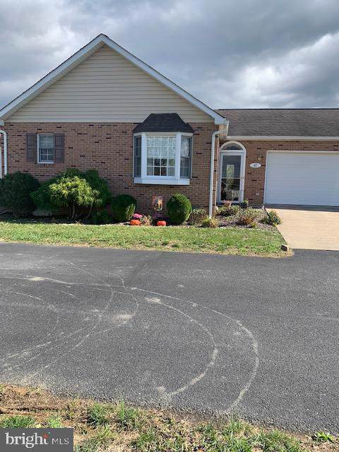47-B-5 Logan Circle, STRASBURG, VA 22657 (#VASH117552) :: Keller Williams Pat Hiban Real Estate Group