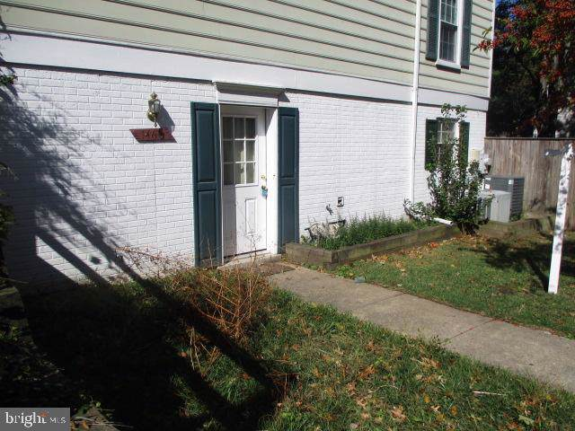1460 Chatham Court, CROFTON, MD 21114 (#MDAA416636) :: Revol Real Estate