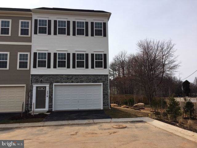 251 Oakview Village Drive, GLEN BURNIE, MD 21061 (#MDAA416664) :: Dart Homes
