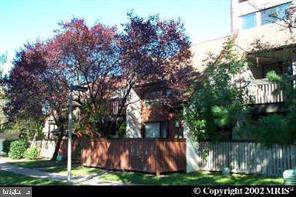 3907 El Soneta Place #11, ALEXANDRIA, VA 22309 (#VAFX1095912) :: The Gus Anthony Team