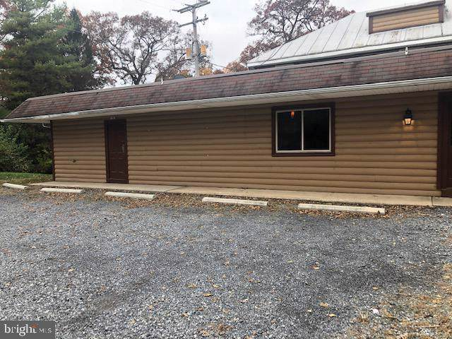 1582 Holly Pike, CARLISLE, PA 17015 (#PACB118998) :: Keller Williams of Central PA East