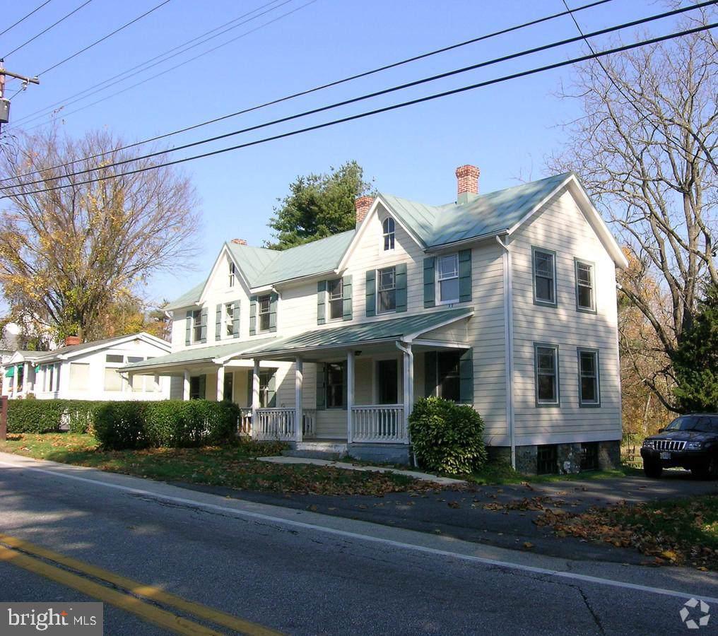 10915 Falls Road - Photo 1
