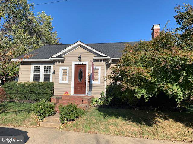 807 Adams Street, FREDERICKSBURG, VA 22401 (#VAFB116074) :: The Licata Group/Keller Williams Realty