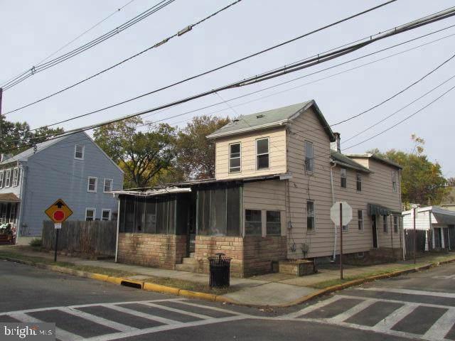 111 Elizabeth Street, BORDENTOWN, NJ 08505 (#NJBL360920) :: Jason Freeby Group at Keller Williams Real Estate