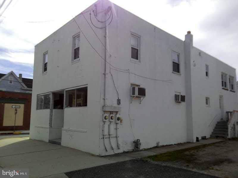 914 Delaware Street - Photo 1