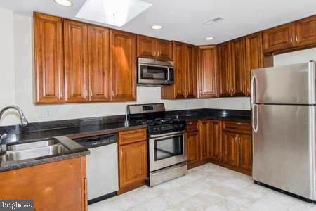 758 Carroll Street, BALTIMORE, MD 21230 (#MDBA491008) :: Dart Homes