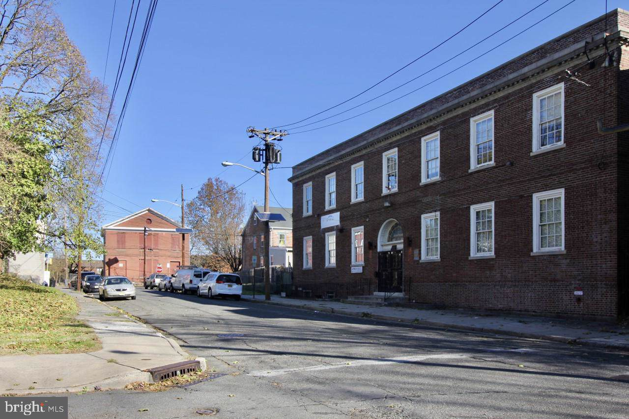 38-48 Fowler Street - Photo 1