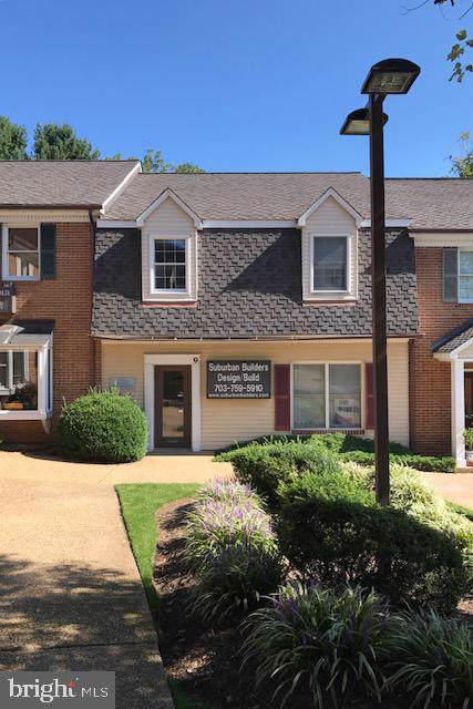 731-G Walker Road 7-G2, GREAT FALLS, VA 22066 (#VAFX1099230) :: Sunita Bali Team at Re/Max Town Center