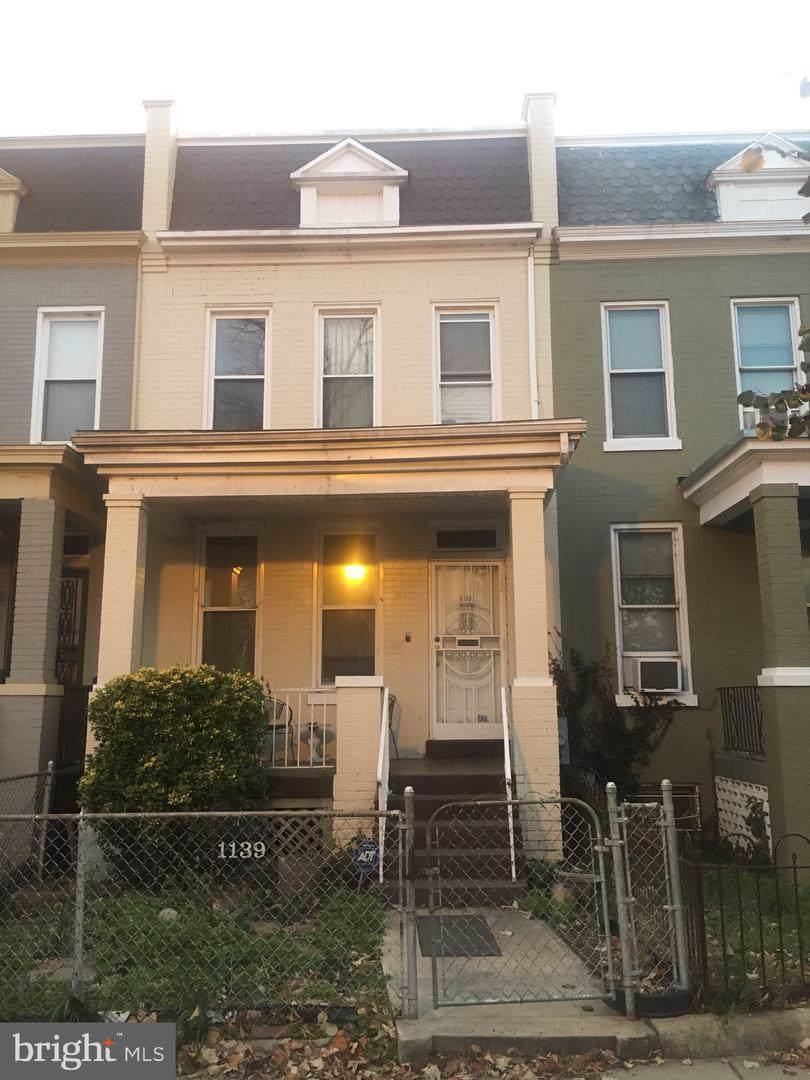 1139 Morse Street - Photo 1