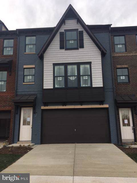 8106 Zoe Place, ALEXANDRIA, VA 22306 (#VAFX1099988) :: The Speicher Group of Long & Foster Real Estate