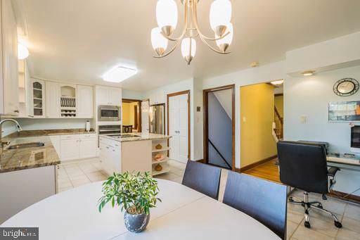 1602 Montmorency Drive, VIENNA, VA 22182 (#VAFX1100186) :: Jennifer Mack Properties