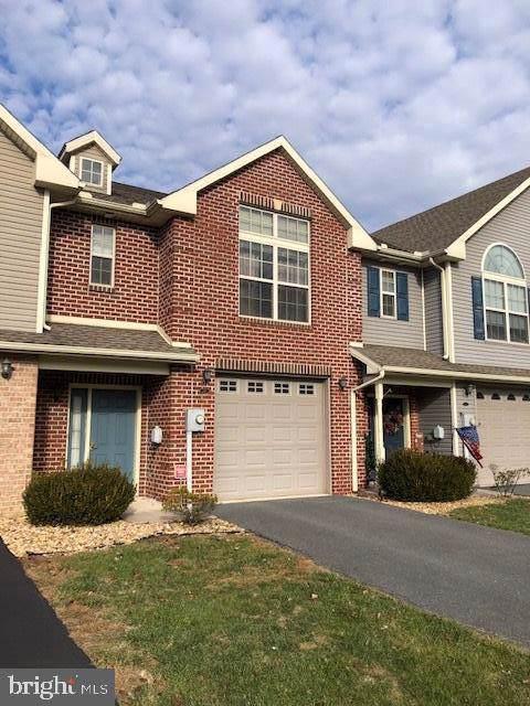 2017 Powell Drive, CHAMBERSBURG, PA 17201 (#PAFL169872) :: The Joy Daniels Real Estate Group
