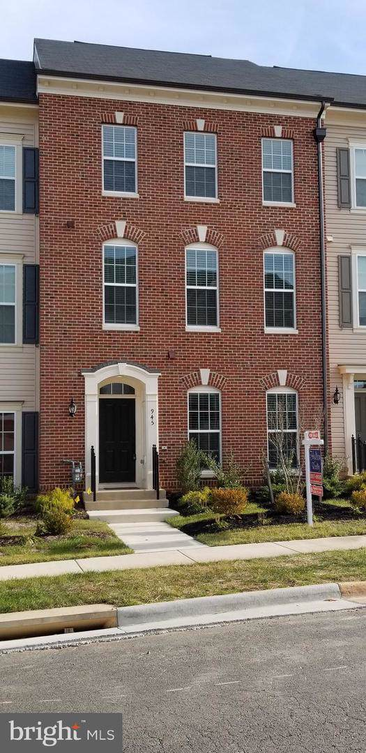 945 Basswood Drive, STAFFORD, VA 22554 (#VAST217050) :: Network Realty Group