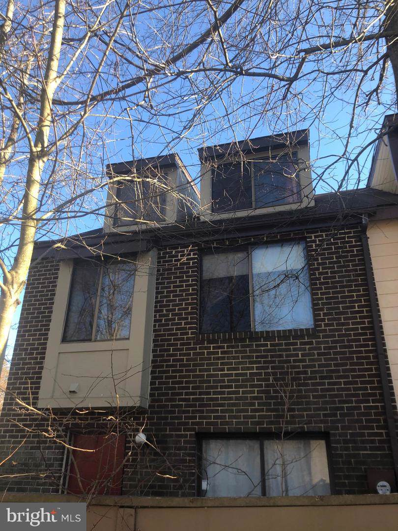 9920 Forest View Place - Photo 1
