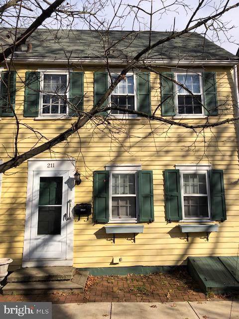 211 Prince Street, BORDENTOWN, NJ 08505 (#NJBL362590) :: Bob Lucido Team of Keller Williams Integrity