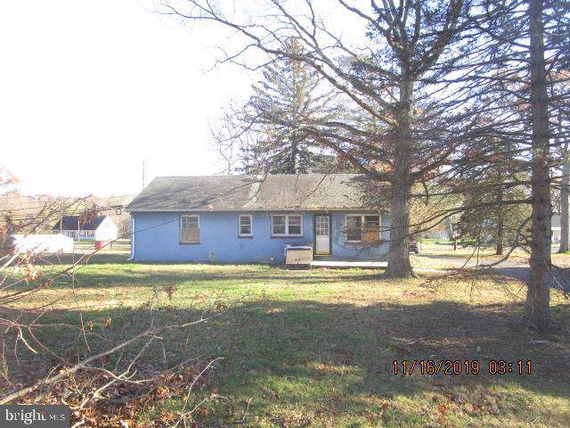 54 W Farms Road, FARMINGDALE, NJ 07727 (#NJMM109930) :: Bob Lucido Team of Keller Williams Integrity