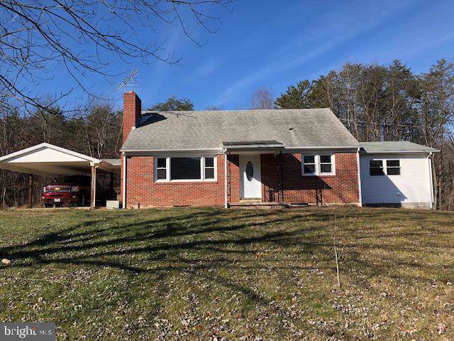 1062 Camp Roosevelt Road, FORT VALLEY, VA 22652 (#VASH117966) :: ExecuHome Realty