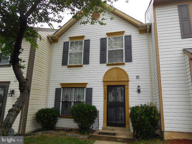 6014 S Hil Mar Circle, DISTRICT HEIGHTS, MD 20747 (#MDPG554224) :: The Vashist Group