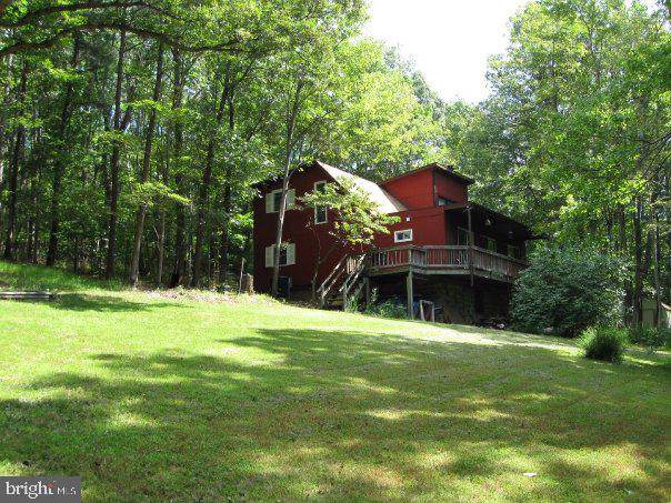 167 Wells Drive, FRONT ROYAL, VA 22630 (#VAWR138950) :: The Dailey Group