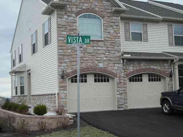 1801 Vista Drive - Photo 1