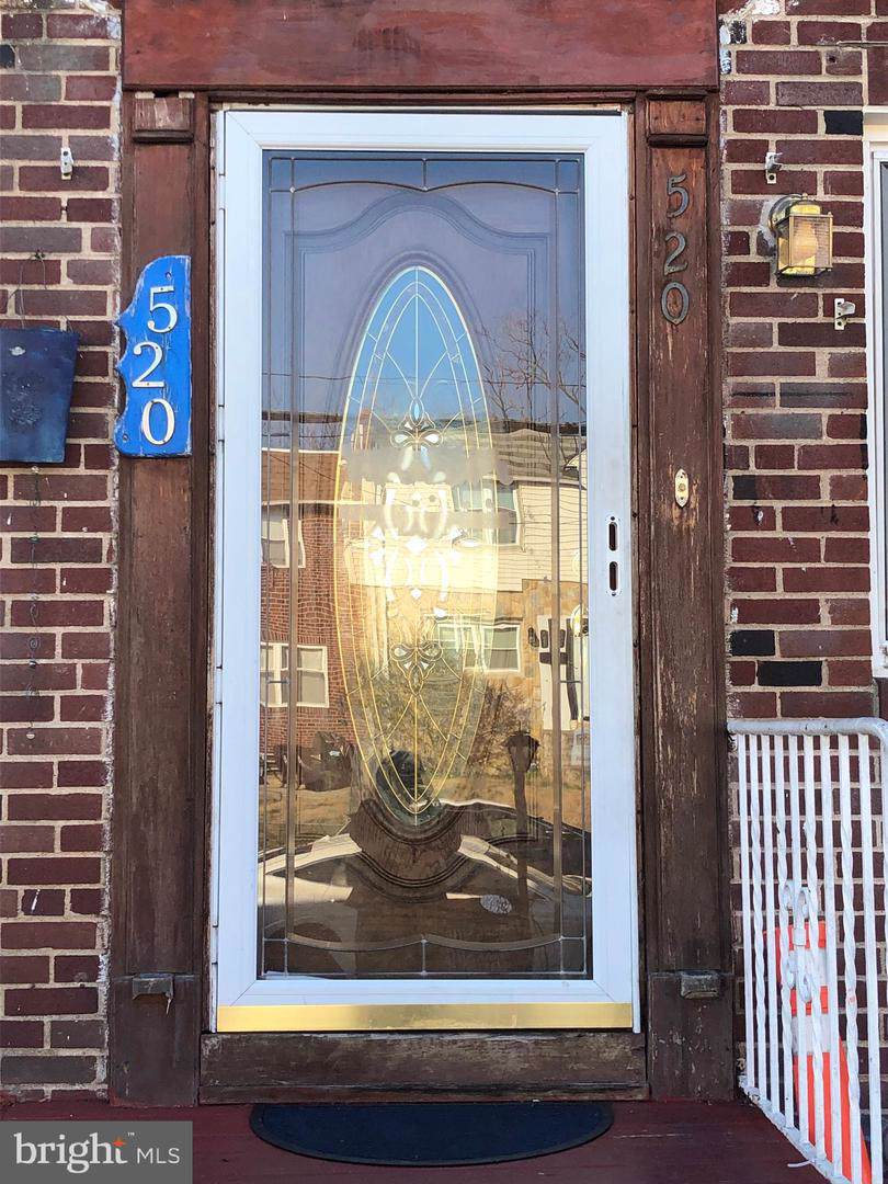 520 35TH Street - Photo 1
