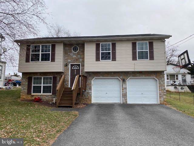 305 S Charles Street, DALLASTOWN, PA 17313 (#PAYK131380) :: The Joy Daniels Real Estate Group