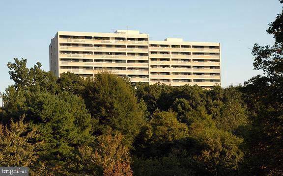 6101 Edsall Road #105, ALEXANDRIA, VA 22304 (#VAAX242768) :: Jennifer Mack Properties