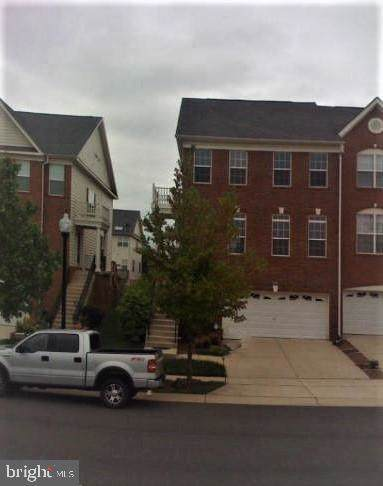 25497 Beresford Drive, CHANTILLY, VA 20152 (#VALO401572) :: Dart Homes