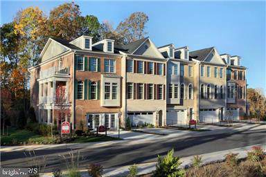 7945 Turtle Creek Circle #23, GAINESVILLE, VA 20155 (#VAPW485780) :: Pearson Smith Realty