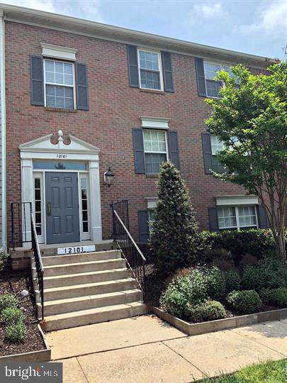 12101 Greenwood Court #102, FAIRFAX, VA 22033 (#VAFX1106908) :: The Gus Anthony Team