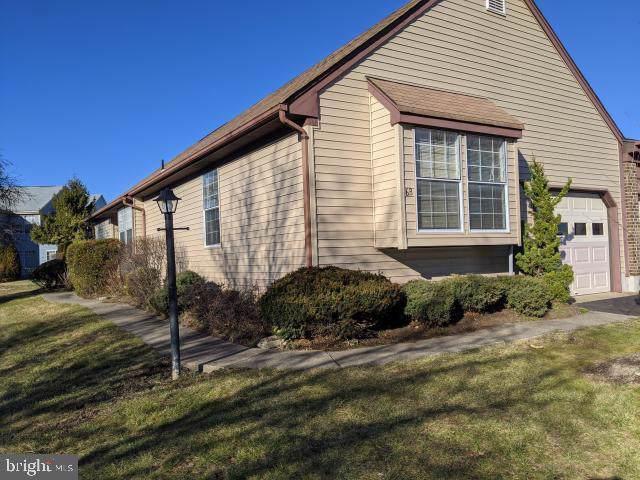 6 John Paul Jones Drive B, MONROE TOWNSHIP, NJ 08831 (#NJMX123194) :: Tessier Real Estate
