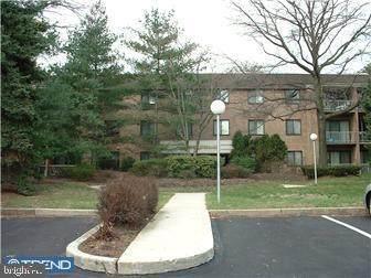 1640 Oakwood Drive W317, NARBERTH, PA 19072 (#PAMC636540) :: Linda Dale Real Estate Experts