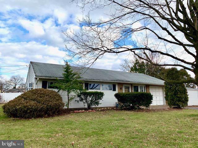 121 Winding Way, MORRISVILLE, PA 19067 (#PABU488322) :: Linda Dale Real Estate Experts