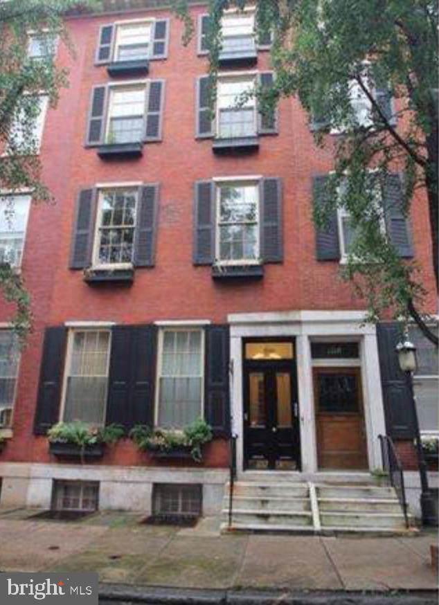 1708 Pine Street - Photo 1