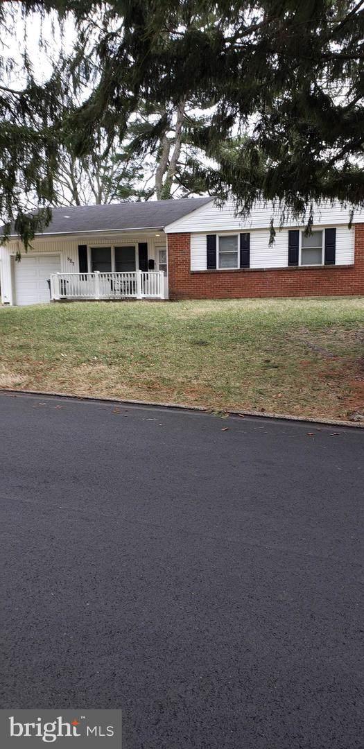 527 W Pine Street, FEASTERVILLE TREVOSE, PA 19053 (#PABU488496) :: The Toll Group